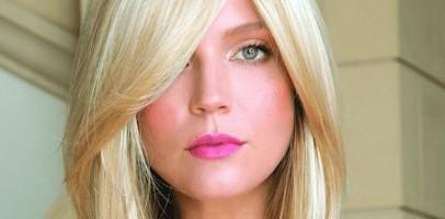 Blonde ladies headpiece